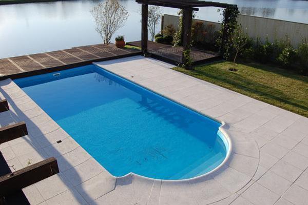Piscinas piscinas beluga for Piscinas de hormigon modelos