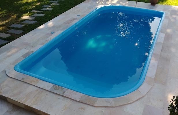 Piscinas piscinas beluga for Modelos de piscinas de material
